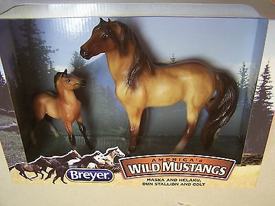 Breyer Mid States Exclusive America's Wild Mustangs Maska and Helaku  - NIB