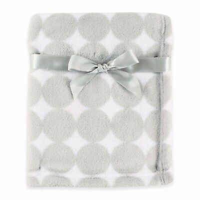 Baby Vision Luvable Friends Dot Coral Fleece Blanket In Grey