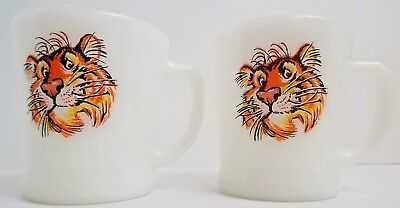 SET of 2 Vintage Collectible FIRE-KING White D HANDLE Esso EXXON TIGER Mug Cups