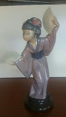 Lladro figurine Madame Butterfly - 4991 - Japanese Geisha with fans