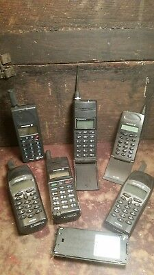 6 Vintage Ericsson Cell Phones & 1 Extra Battery