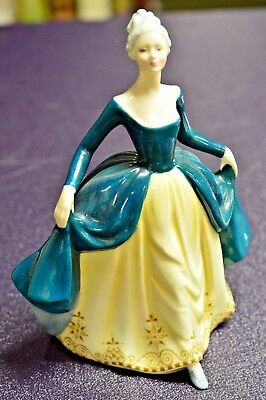 Royal Doulton Figurine Regal Lady Hn 2709 Mint