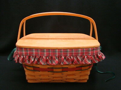 Longaberger 1993 Holiday Hostess Homecoming Basket with Carved Lid