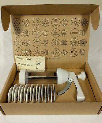 Pampered Chef Cookie Press 1525 NIB New 16 Discs