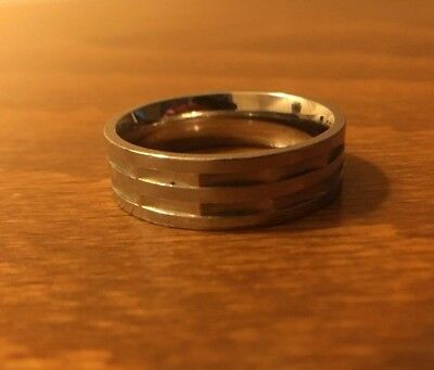 White metal angular & circular ring, nice pattern, size O