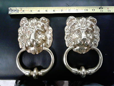 VINTAGE SOLID BRASS LION'S HEAD ORNAMENTAL DOOR KNOCKER on DISPLAY BOARD