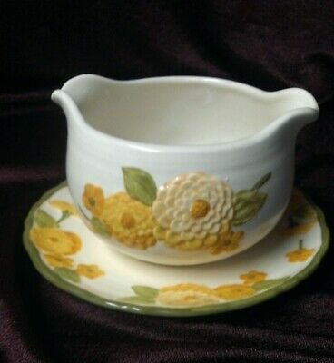 METLOX POPPY TRAIL CALIFORNIA POTTERY SCULPTURED YELLOW ZINNIA Gravy Boat