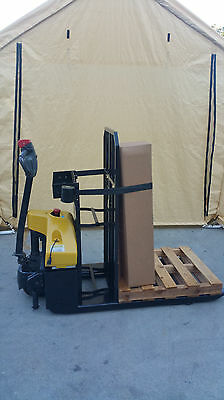 2015 Big Joe E30 Electric Power 3000Lbs Pallet Jack Lift Truck With Charger
