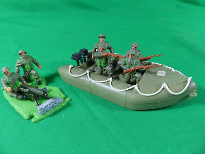 Timpo Toys WWII -  British Boat 4 Soldiers -Vickers Machine Gun Diorama Swoppet