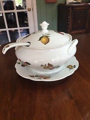 Large  Cordon Bleu International Soup Tureen
