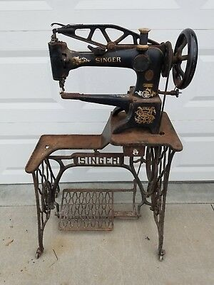Antique Singer Cast Iron Industrial 29-4 Cobbler Leather Treadle Sewing Machine