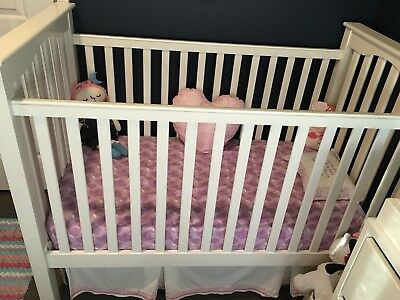 Pottery barn Kendall Crib (For Local Pick Up Only)