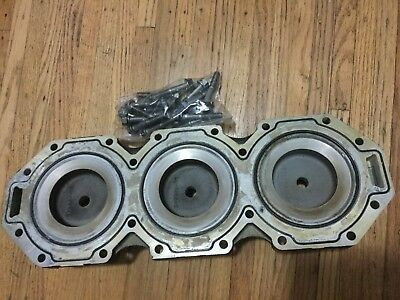 1996 Mercury 225Hp Cylinder Head 812851A 2  V6