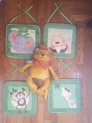 """NOJO Jungle Babies 10"""" Wall Hanging set of 4, with matching plush lion"""