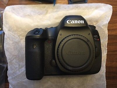 Canon EOS 5DS R DSLR Camera (Body Only) 0582C002