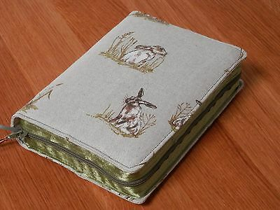 New World Translation 2013 Zipped Fabric Bible Cover - Hares