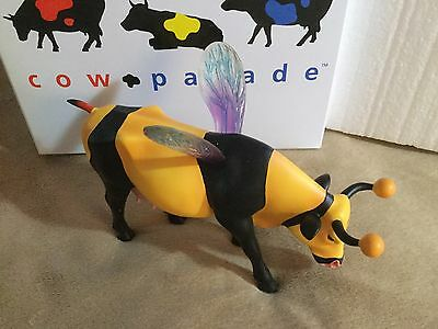 "Cow Parade Figurine "" Bumble Bee "" Cow ( # 9135 - Retired & VERY RARE )"