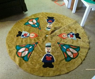 "Vintage Handmade CHRISTMAS TREE SKIRt   60"" Old school felt hand sewn has flaws"