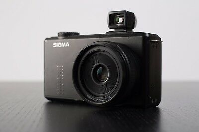 Sigma DP2 Merrill 46.0MP Digital Camera with Extension View Finder