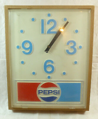 Vintage Pepsi Battery Operated Wall Hanging Clock (Works)