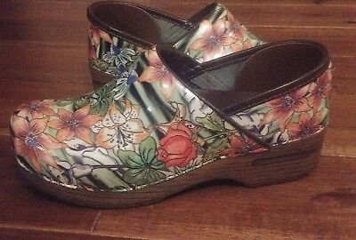 Dansko Clogs Floral Flower Roses Shoes Patent Leather Womens EUR 38 US 7.5-8