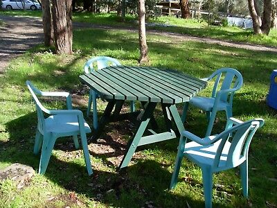 4 plastic chairs and wooden wood table home garden furniture outdoor adults old