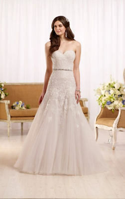 Essence of Australia Bridal Gown - Style D2122 - Size 14