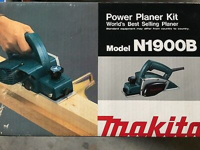 "Makita N1900B, 3.25"", 4 amp, Power Planer Kit w/ Case"