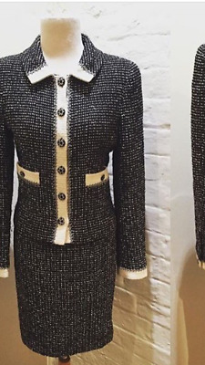 Authentic Chanel Vintage Tweed Skirt Suit - Eu34-36 - From 1992 Collection.