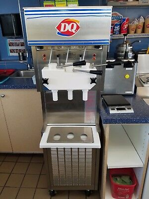 Dairy Queen 959R-137 soft serve ice cream machine,2pumps,single phase, h20cooled