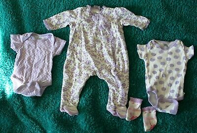 Baby clothes (0-5   months)