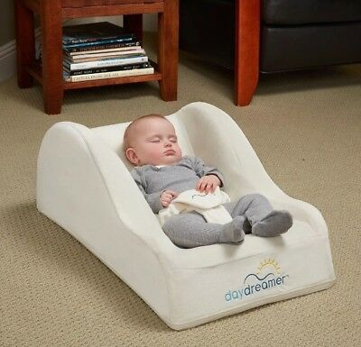 Hiccapop Day Dreamer Sleeper Baby Lounger Seat for Infants Travel Bed Brand New