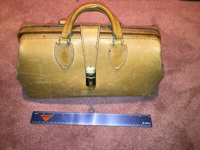 Vintag Brown Schell leather doctors bag with key Lightly scuffed and embossed