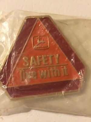 "Vintage NOS 1989 JOHN DEERE ""Safety Live With It"" BELT BUCKLE (Made In U.S.A.)"
