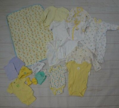 Infant 18 PC. Mixed Clothing Lot Size 0-3 months EUC