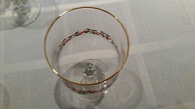 """Arcoroc Holly & Ribbon Gold rimmed 7"""" Water/Wine Goblets"""
