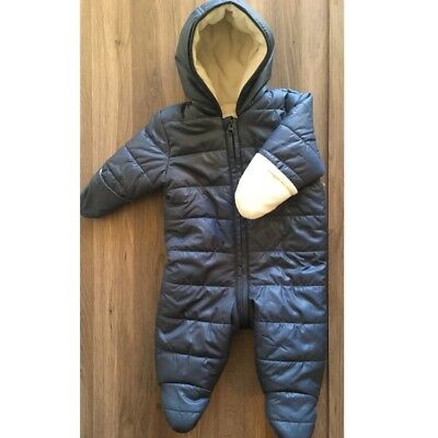 Old Navy Baby Zip Up Fleece Lined Bunting/One Piece. Thick and warm for winter!