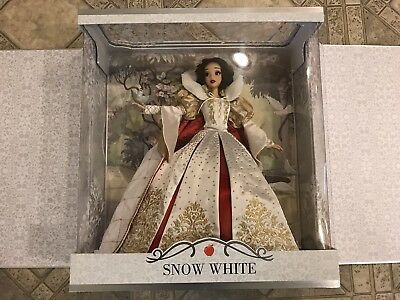 """Disney Snow White Saks Fifth Ave Exclusive Limited Edition 17"""" LE #/1000 Doll"""