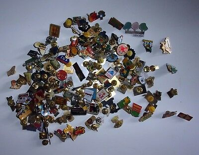 Gros Lot D'environ 175 Pin's Divers Themes