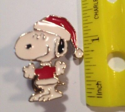 Vintage Santa Snoopy Metal Pin ** 1958 United Feature Syndicate