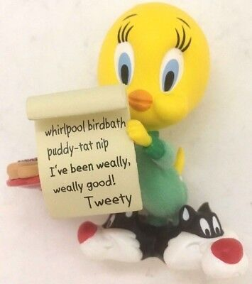Hallmark keepsake Tweety Looney Tunes Christmas Ornament 2007 Chwismas List