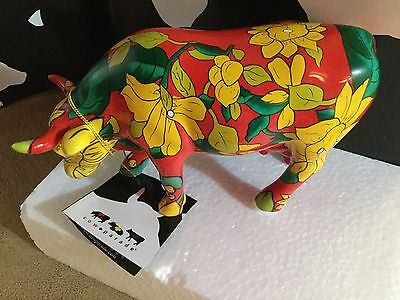 "Cow Parade Figurine "" Vaca Chita "" ( # 7365 - Retired )"
