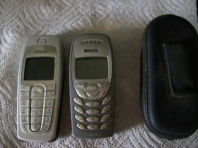 Cell Phones Set of 2 Nokia  - Silver Tracphone and Clip on case