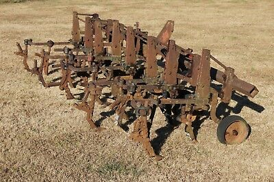 IH International Harvester McCormick 4 Row Cultivator 3pt Hitch
