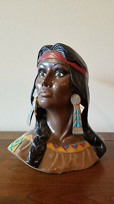 Vintage Native American Indian Bust Beautiful VTG condition Must See
