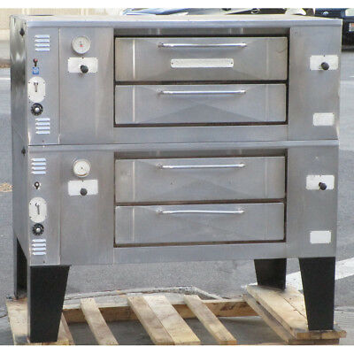Bakers Pride DS-805 Single Deck Pizza Oven, Very Good Condition