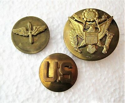 US Army Air Corps Propeller and Wings Insignia Cap Badge US button World War II