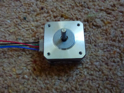 Nema 17HS10-0704S Stepper Motor Bipolar 42x42x25mm 4-wires 8 available