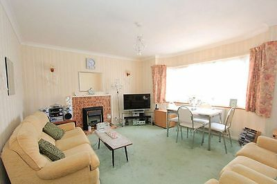 2  Bedroom Flat for Sale Enfield, Exceptional Spacious Rooms Throughout