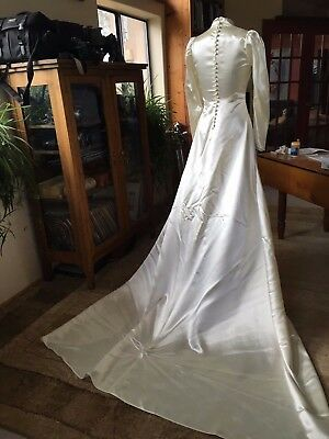 STUNNING! Vintage 30s 40s Ivory Satin WWII Wedding Gown Dress 6-8